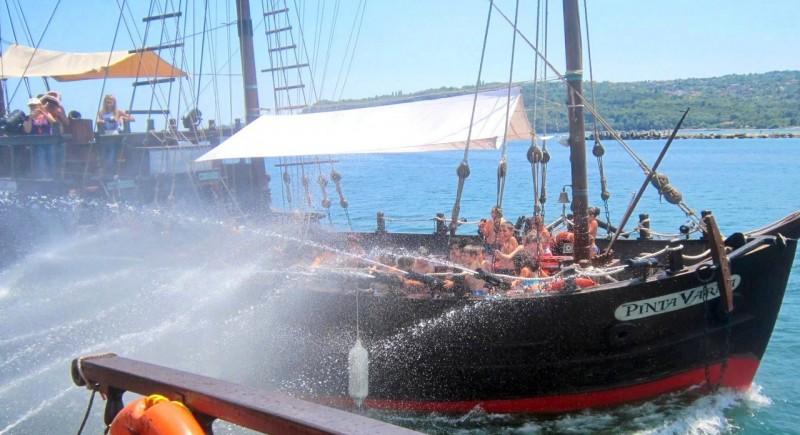 Морска битка между корабите
